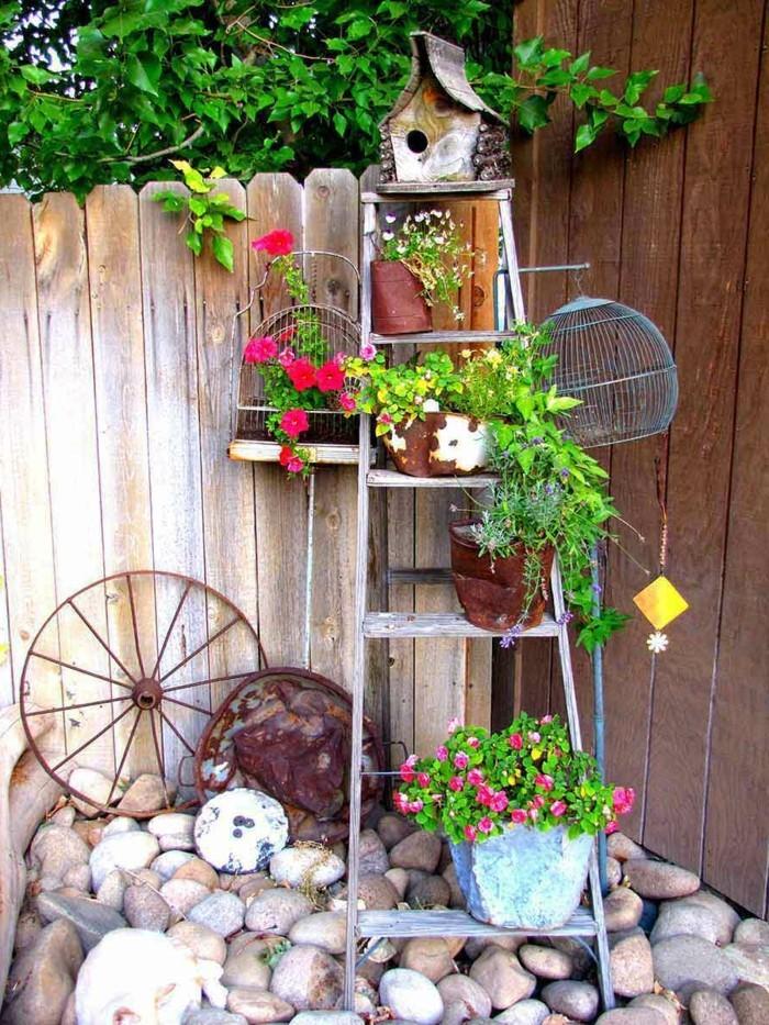 kreative gardenideen blumentöpfe treppe steine
