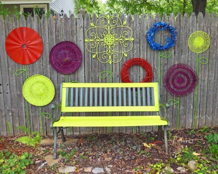 kreative gardenideen diy gartendeko farbige dekoideen hinterhof