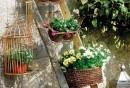 kreative-gardenideen-rustikale-treppe-blumen