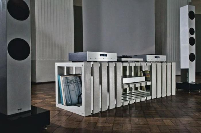 lowboard tv wohnzimmer ideen einrichten einrichtungsbeispiele dj tisch
