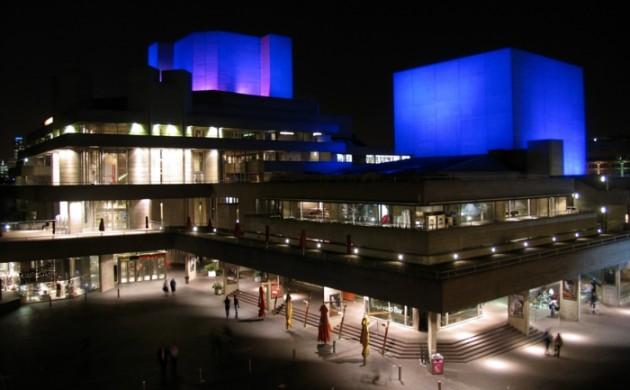 massivhaus-bauen-london-nationaltheater-brutalismus-architektur-modern-beton