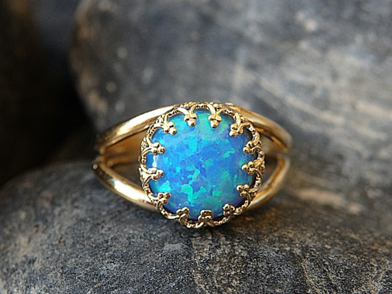 passende Edelsteine Sternzeichen Krebs Opal Ring