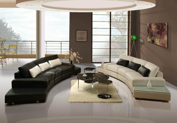 schönes wohnzimmer beiger teppich heller bodenbelag farbkontraste ausgefallene zimmerdecke