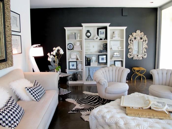 schönes wohnzimmer fellteppich zebra weißes sofa dunkler teppich