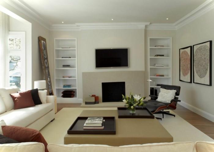 schönes wohnzimmer helle wände relaxsessel offene wandregale