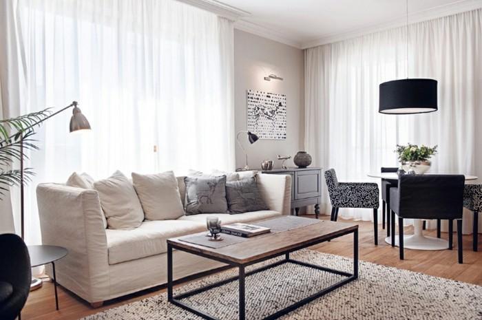 schönes wohnzimmer weißes sofa pflanzen offener wohnplan