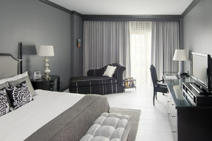 schlafzimmer grau graue wände weißer bodenbelag stilvolle gardinen