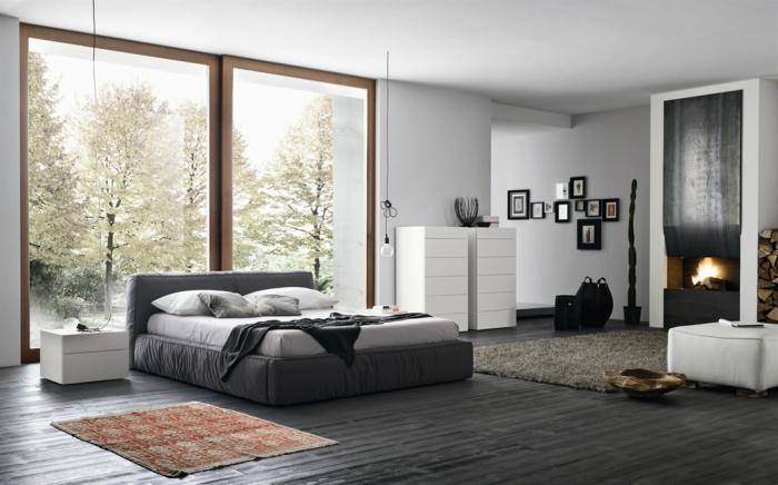 Schlafzimmer Grau Graues Bett Dunkler Bodenbelag Kamin Bereiche