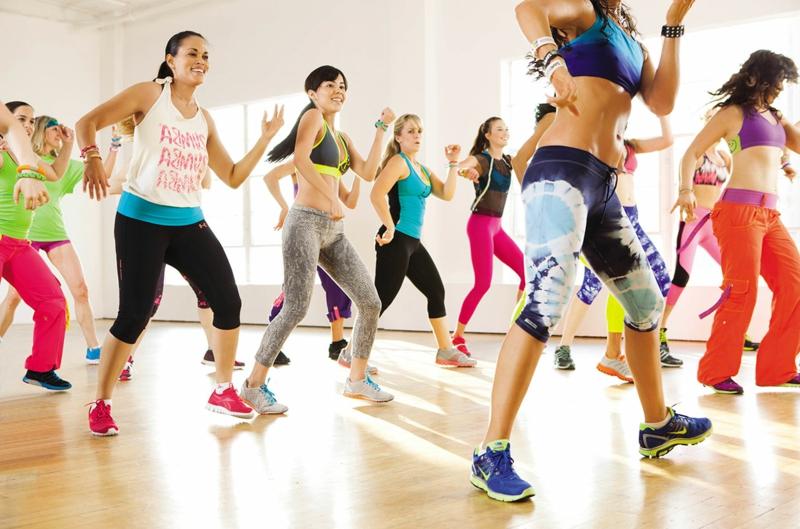 schnell und gesund abnehmen Sport treiben zumba