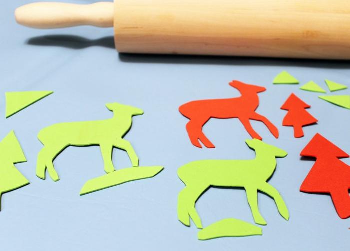 stempel selber machen nudelholz weihnachtpapier bastelideen