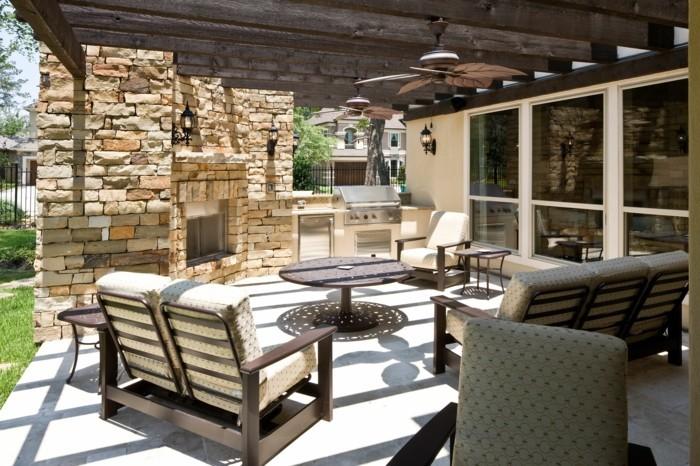 terrassenüberdachung pergola bauen strohhütte weiß sonnig