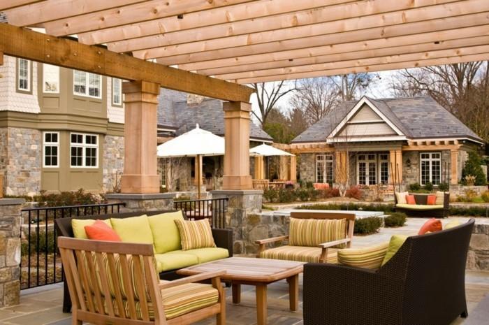 terrassenüberdachung pergola bauen strohhütte weiß uk