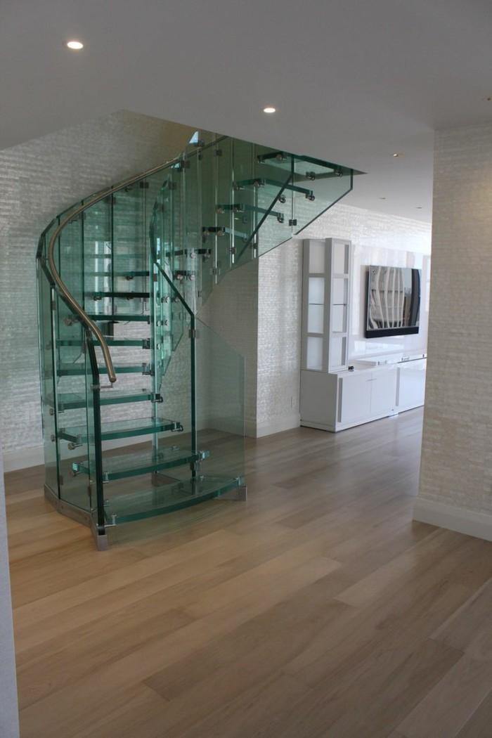treppengestaltung gläserne treppen steinwand