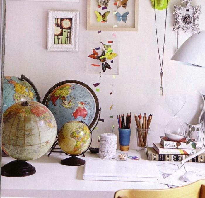 wohnideen dekoideen globen schreibtisch