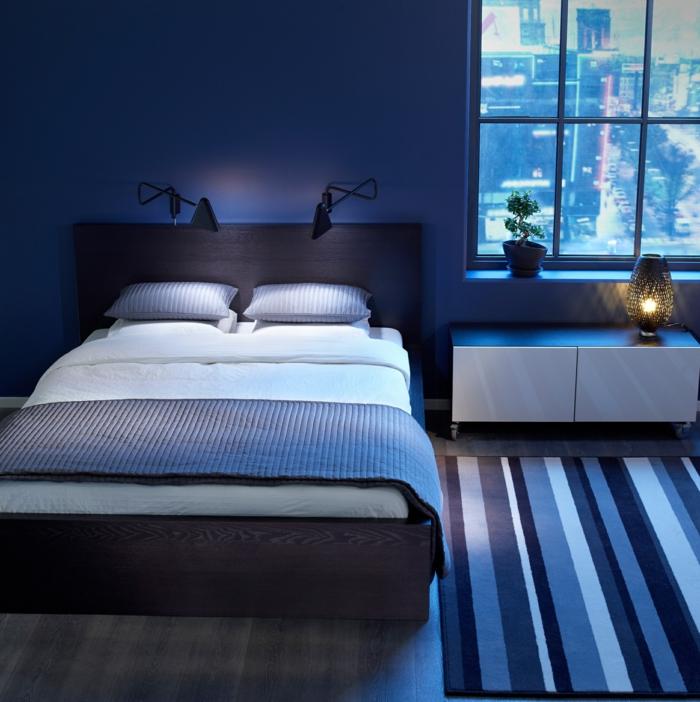Schlafzimmer Dunkelblau #25: Wohnideen Schlafzimmer Dunkelblaue Wände Streifenteppich Männlich