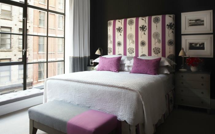 wohnideen schlafzimmer dunkelgraue wände rosa akzente panoramafenster