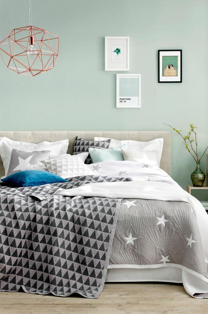 wohnideen schlafzimmer hellgrüne wände graue bettwäsche sterne