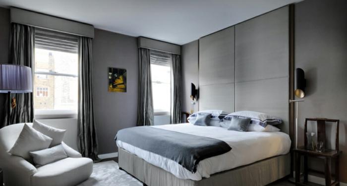 wohnideen schlafzimmer hellgrau schicke gardinen wandleuchten
