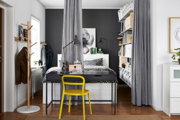 wohnideen schlafzimmer kleines schlafzimmer einrichten grau gelber stuhl