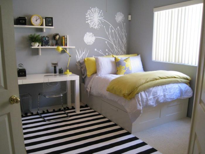 wohnideen schlafzimmer streifenteppich gelbe akzente hellgraue wände