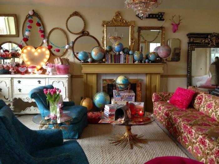 wohnideen wohnzimmer dekoideen globen spiegel blumen muster