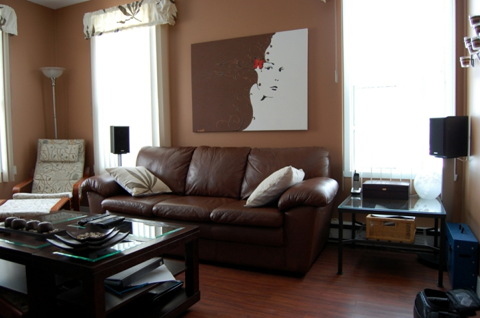 wohnzimmer braun braune wände ledersofa kleines wohnzimmer