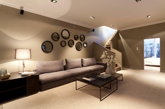 wohnzimmer braun gemütlich teppichboden blumendeko