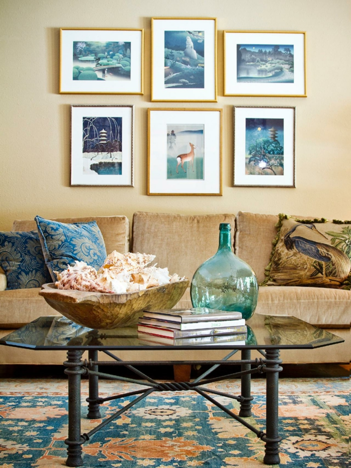 wohnzimmer braun schickes sofa farbiger teppich