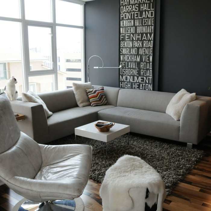 wohnzimmer grau das kleine wohnzimmer in grau gestalten und weiße akzente setzen