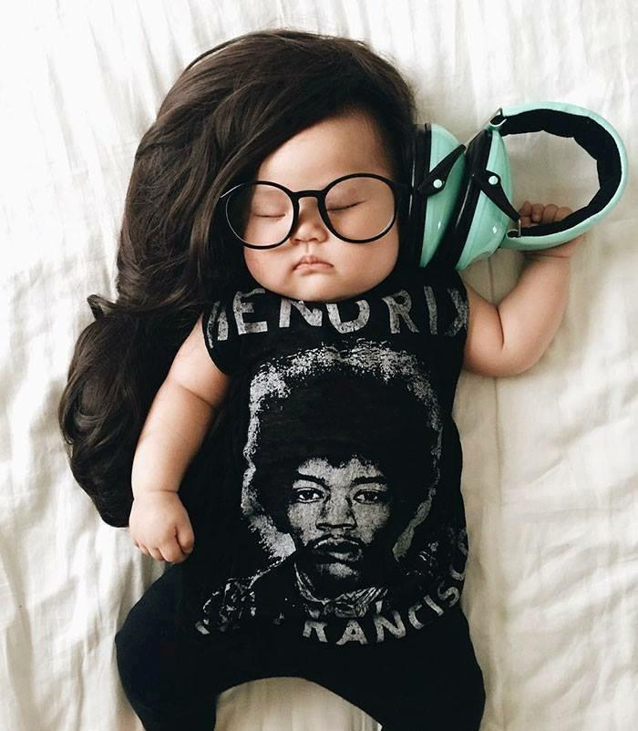 Fotoshooting Ideen babyfotos nachthimmel musik wasserwelte