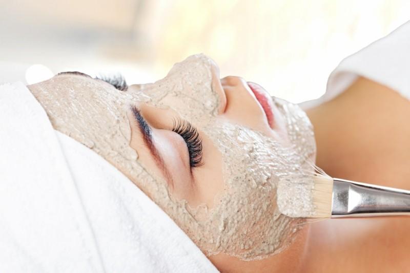 Gesichtsmasken selber machen Hafermehl Gesichtsmaske auftragen