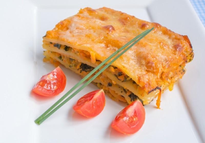 Gesund essen Ernährungstipps Rezepte Möhren Lasagne
