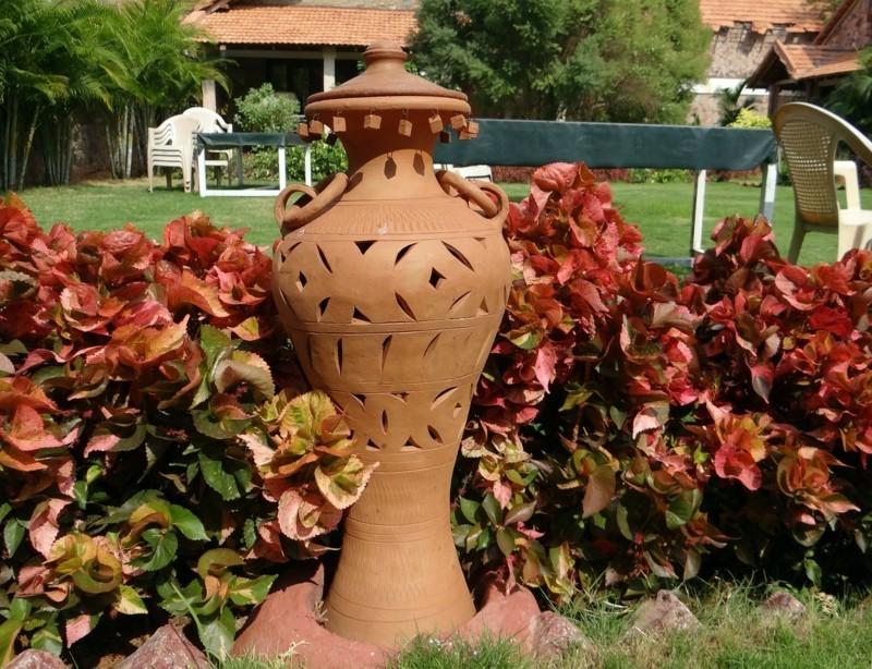 Länderorientierte Gartengestaltung rustikale Gartendeko Ideen