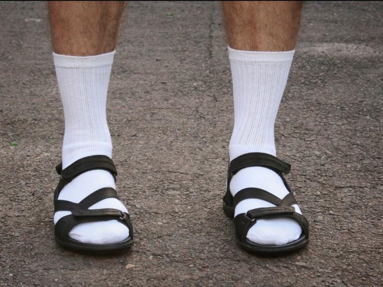 Modefehler und Flops Männermode Sandallen mit Socken