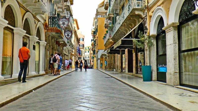 Nach Korfu reisen Insel Korfu Griechenland Straße