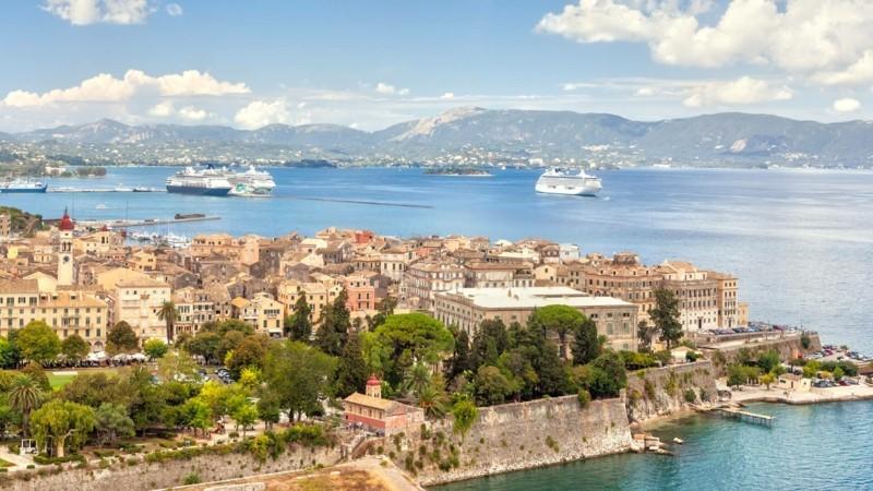Nach Korfu reisen Stadt Korfu Griechenland Hafen