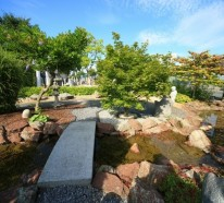 Der Gartenbrunnen mit Natursteinen