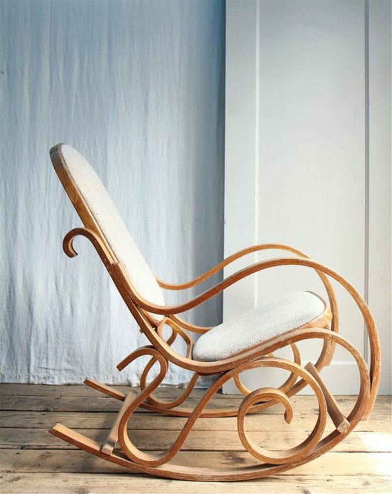 Schaukelstuhl aus Holz klassische Schaukelstühle
