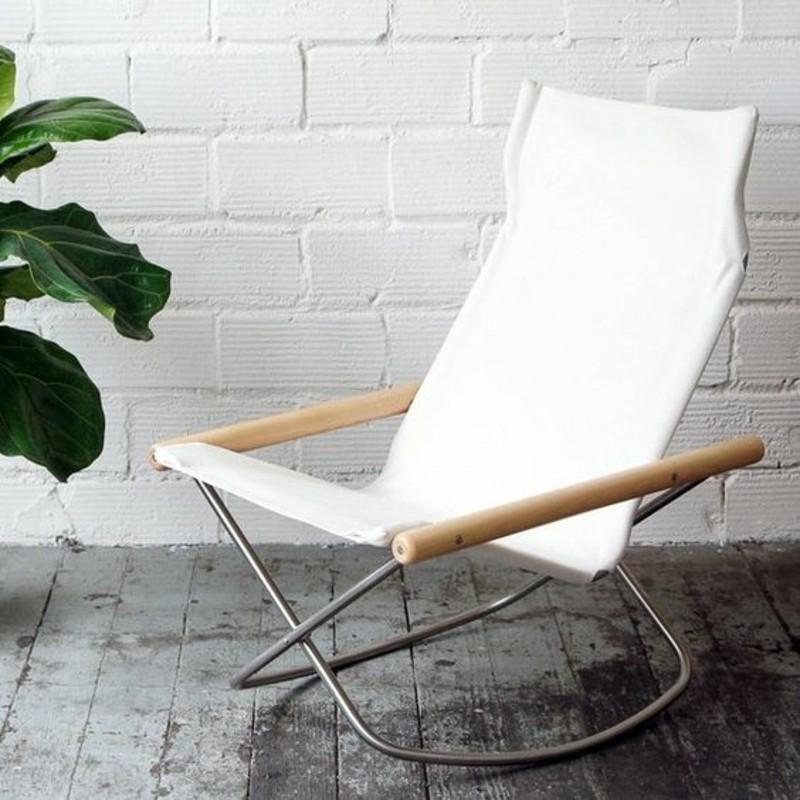 Schaukelstuhl weiß Wohnzimmermöbel Zimmerepflanzen Schaukelstühle