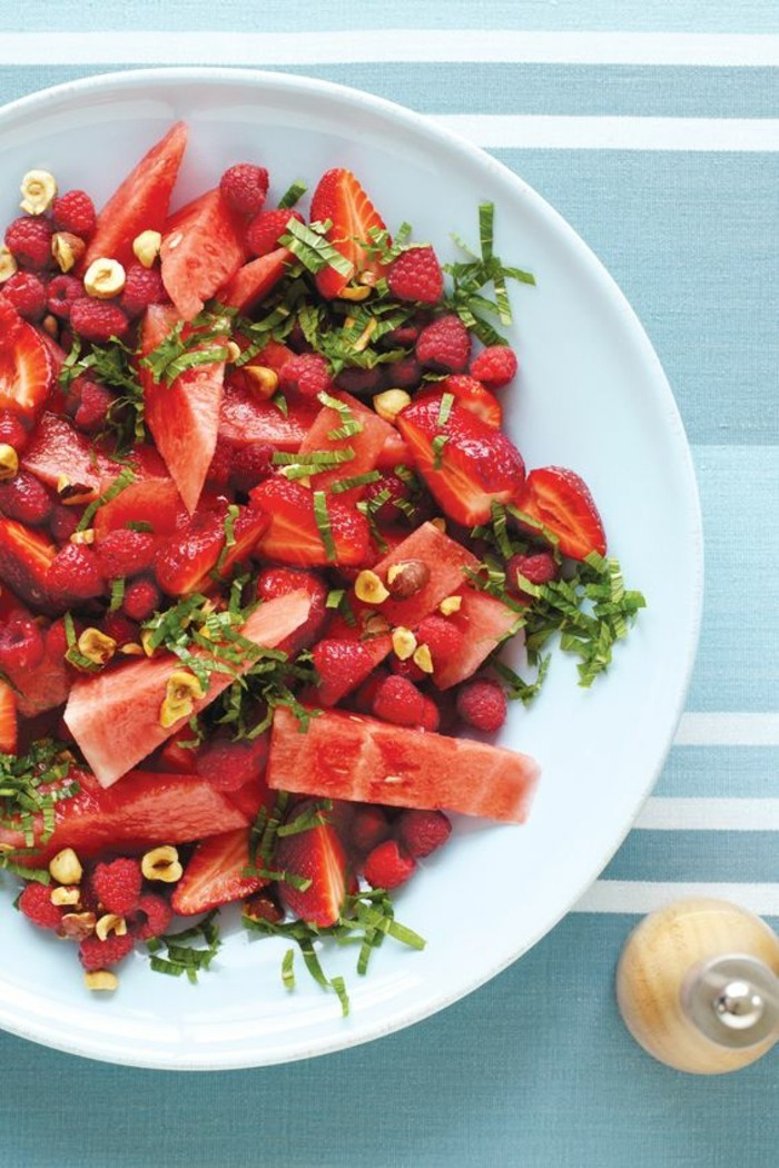 Wassermelone Diät Sommer gesunde Ernährung Obstsalat