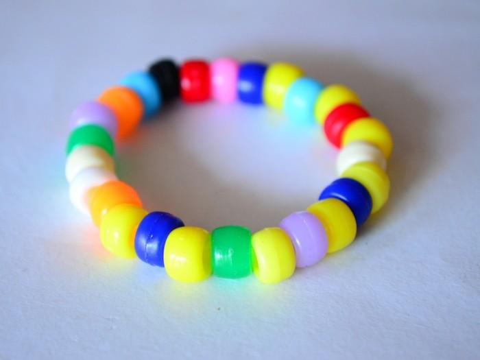 basteln mit kindern diy armband farbig