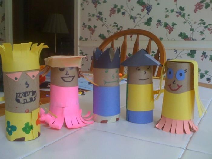 basteln mit klopapierrollen diy ideen deko ideen basteln mit kindern eulen mini männchen