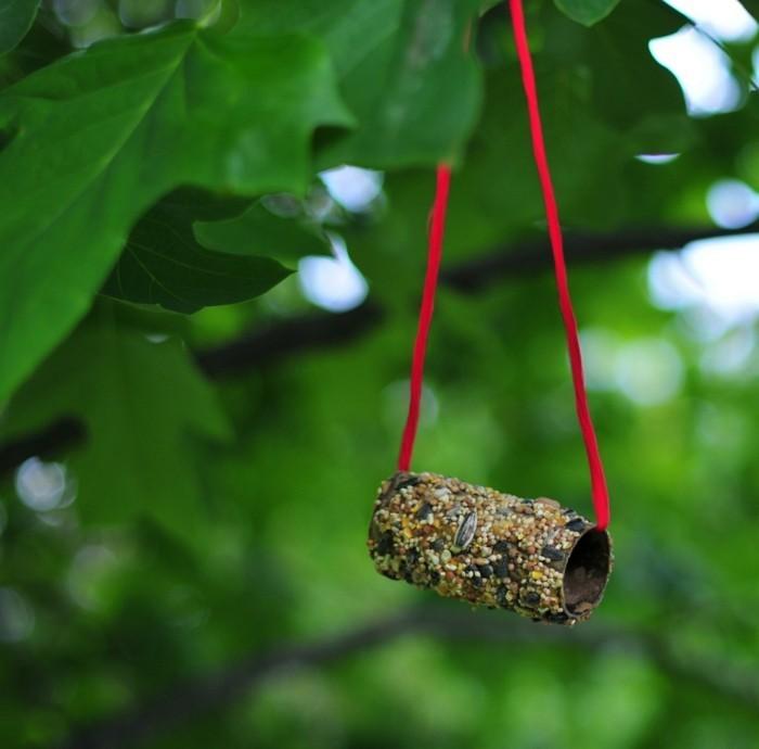 basteln mit klopapierrollen diy ideen deko ideen basteln mit kindern vogelfutter
