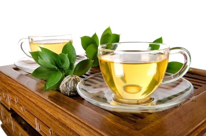 bauchfett verlieren abnehmen grüner tee trinken gesund
