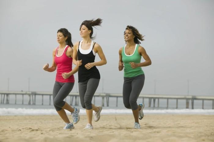 bauchfett verlieren jogging sport treiben frauen laufen