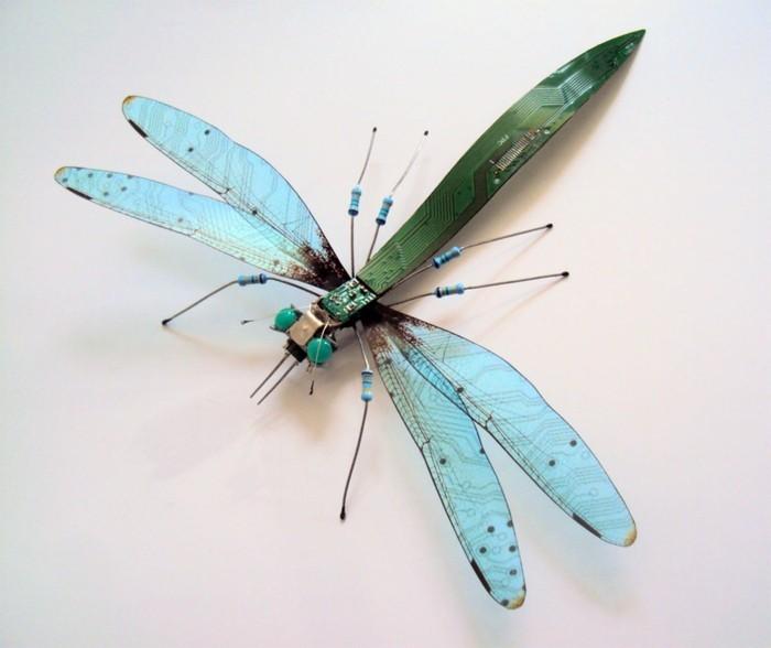 computerteile gebraucht kunst upcycling libelle