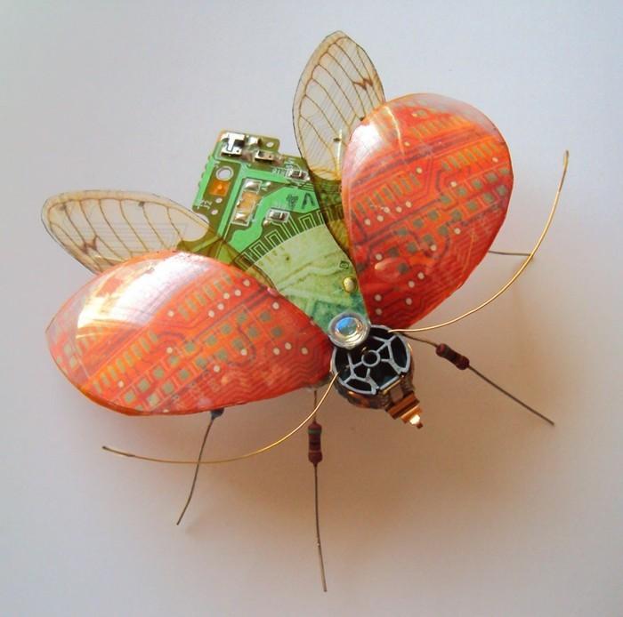 computerteile upcycling insekten kunst marienkäfer
