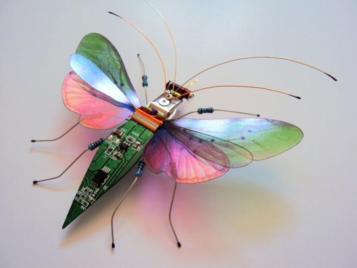 computerteile upcycling kreative kunst insekt schmetterling