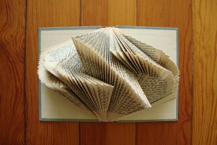 deko bücher origami dekoideen