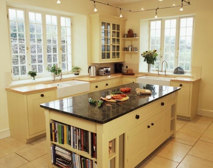 deko bücher wohnideen küche creme farbe
